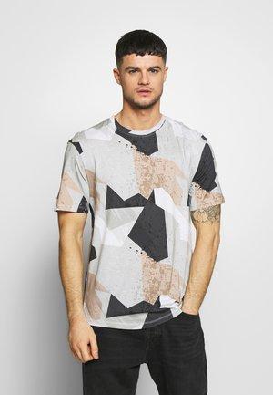 JCONEEDO TEE CREW NECK - T-shirt z nadrukiem - white