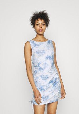 SHORT DRESS  - Sukienka z dżerseju - multi wash
