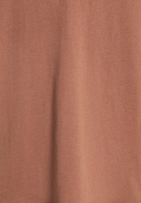 Weekday - LAST V NECK - Jednoduché triko - brown - 2