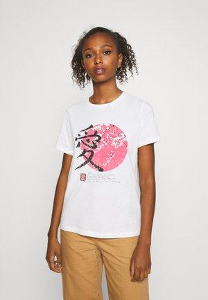 VMLOTUS  - T-shirt med print - snow white/red