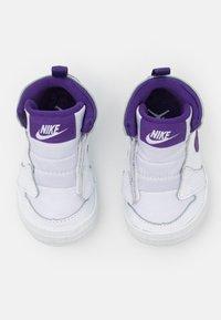Jordan - 1 CRIB UNISEX - Scarpe da fitness - white/court purple - 3