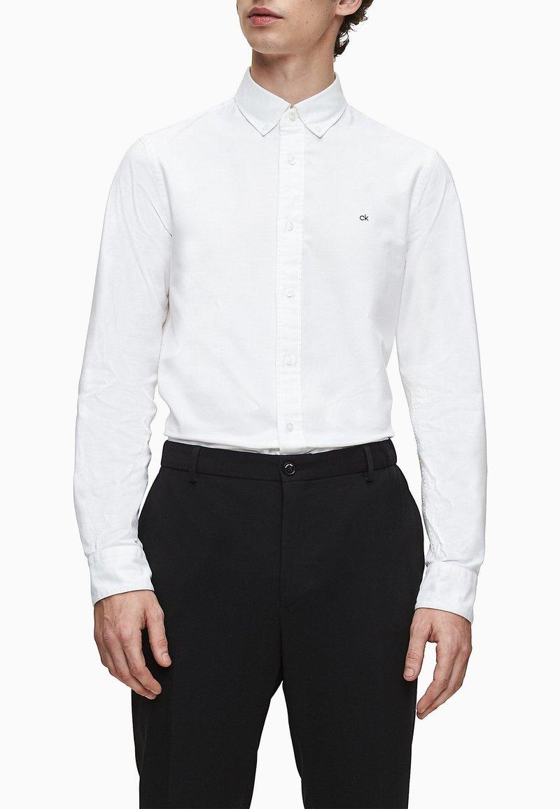 Calvin Klein - SLIM OXFORD - Formal shirt - calvin white