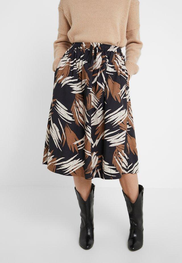 SARA - Áčková sukně - golden oak