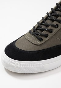 Goliath - NUMBER THREE - Trainers - olive/black - 5