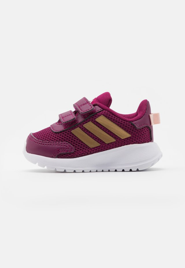 TENSAUR RUN UNISEX - Obuwie do biegania treningowe - power berry/copper metallic/pink tint