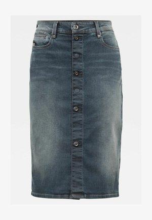 NOXER NAVY PENCIL BUTTON - Jupe en jean - worn in smokey night