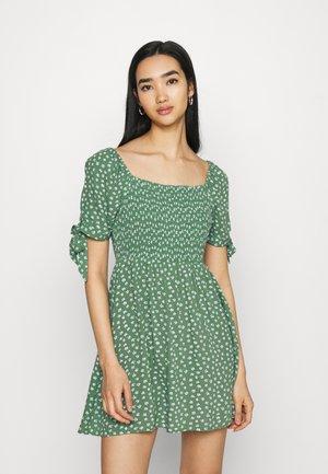 TIE DRESS - Vapaa-ajan mekko - green