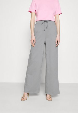 ALL YOU NEED PANTS - Teplákové kalhoty - gray