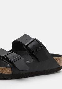 Birkenstock - ARIZONA TRIPLE UNISEX - Pantofle - black - 5