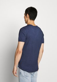 JOOP! Jeans - CLARK - T-shirt basic - navy - 2