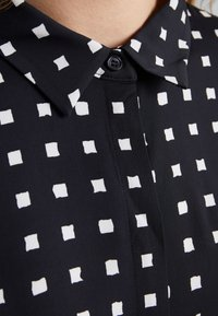 Bruuns Bazaar - BONNE FILIPPA - Button-down blouse - black - 5