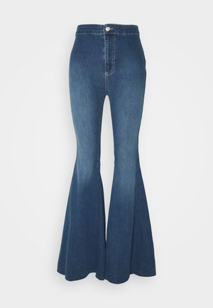 JUST FLOAT ON FLARE - Flared Jeans - jericho blue