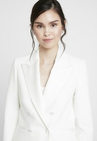 IVY & OAK BRIDAL - SPENCER BRIDAL JACKET - Blazer - snow white - 3