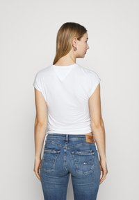 Tommy Jeans - Basic T-shirt - white - 2