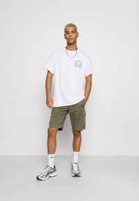 Matinique - CARGO - Shorts - light army - 1