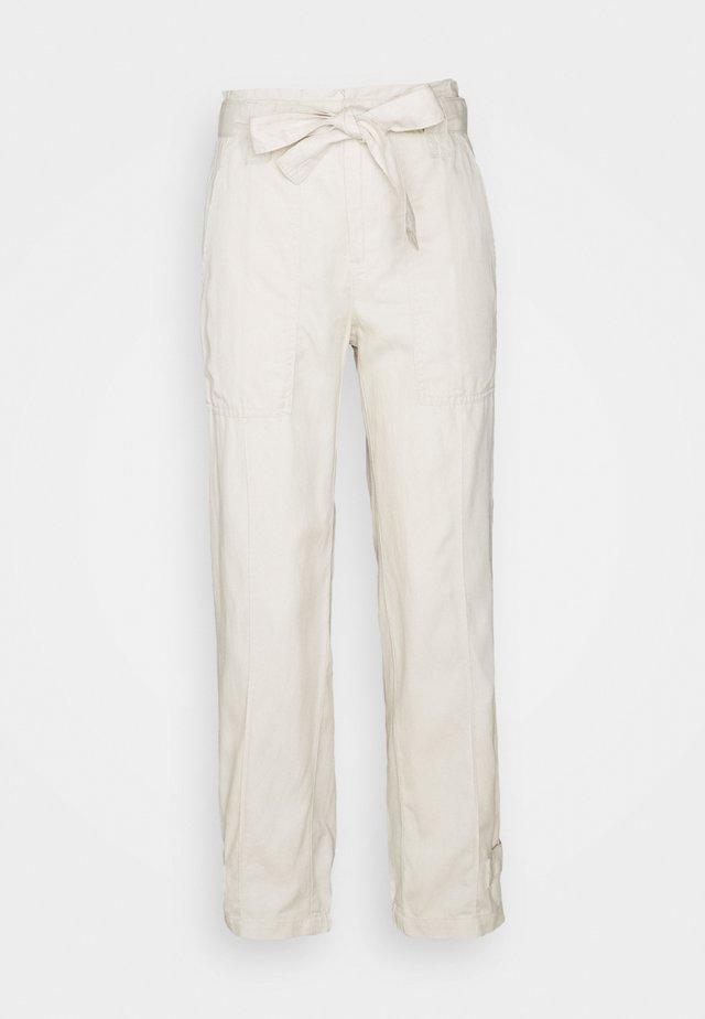 TIE EXCURSION  - Pantaloni - transition cream