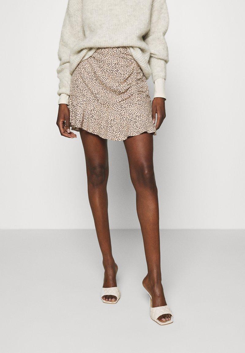 Abercrombie & Fitch - CINCH DETAIL SKIRT - Áčková sukně - brown