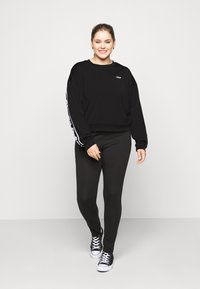Fila Plus - TALLIS CREW - Sweatshirt - black - 1