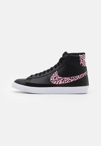 BLAZER MID  - Zapatillas altas - black/pink rise/barely volt/white