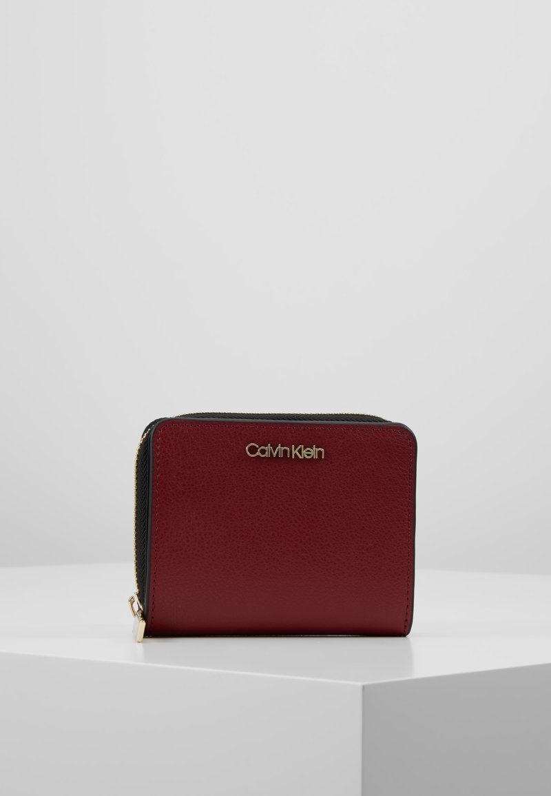 Calvin Klein - ENFOLD ZIP - Wallet - red
