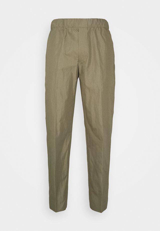 ELE TROUSER FLAT PANT - Trousers - khaki