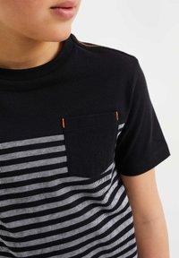 WE Fashion - T-shirts print - black - 2