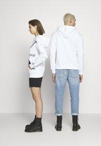 Calvin Klein Jeans - CK ONE BIG LOGO REGULAR HOODIE - Hoodie - bright white - 2