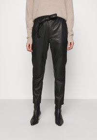 Second Female - INDIE NEW TROUSERS - Leather trousers - black - 0