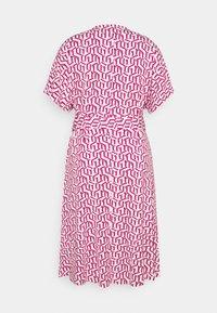Tommy Hilfiger Curve - WRAP DRESS  - Jersey dress - pink - 1