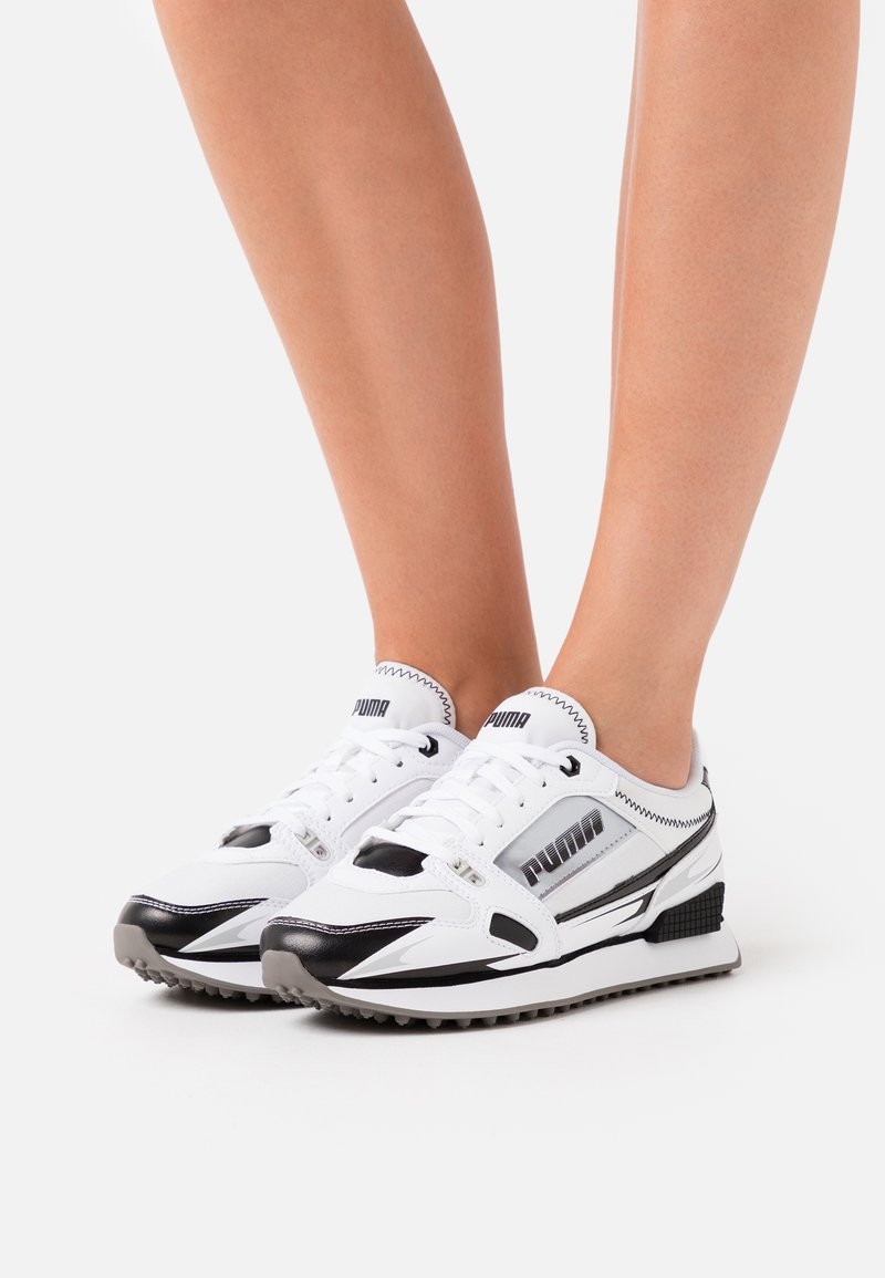 Puma - VEGAN MILE RIDER SUNNY GATAWAY WN'S - Sneakersy niskie - white/black