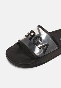 Superga - 1908 SLIDES CLEAR IDENTITY - Pantofle - black - 5