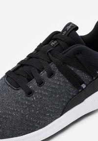 Reebok - EVER ROAD DMX 2.0 - Sportieve wandelschoenen - black/grey/white - 5
