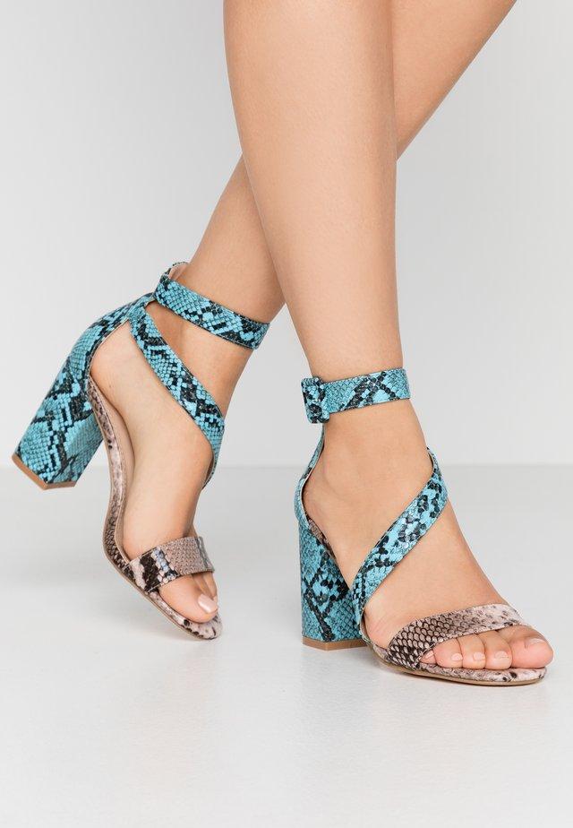 High heeled sandals - pink/blue