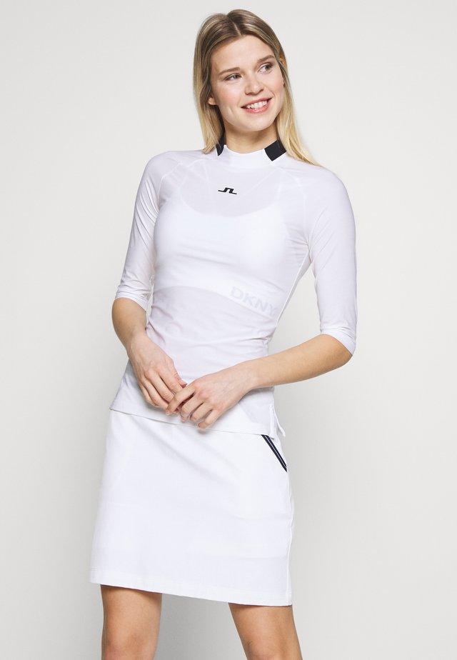 SANA LIGHT COMPRESSION - Sports shirt - white