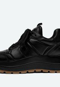 Uterqüe - Sneakers laag - black - 3