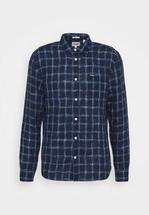 LS 1 PKT SHIRT - Skjorta - limoges blue