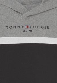 Tommy Hilfiger - COLORBLOCK HOODIE - Sweatshirt - black - 2