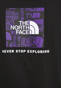 The North Face - DISTORTED LOGO - T-shirt med print - black/peak purple - 5