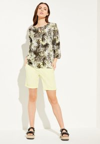 comma casual identity - Blouse - white leaf - 1