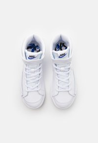 Nike Sportswear - BLAZER MID '77 SE  - High-top trainers - white/black/hyper royal - 3
