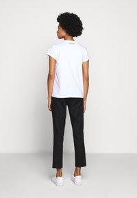 KARL LAGERFELD - ADDRESS LOGO POCKET - Print T-shirt - white - 2