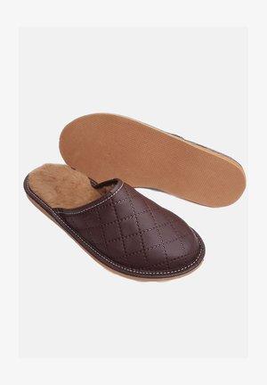Domácí obuv - bourbon brown