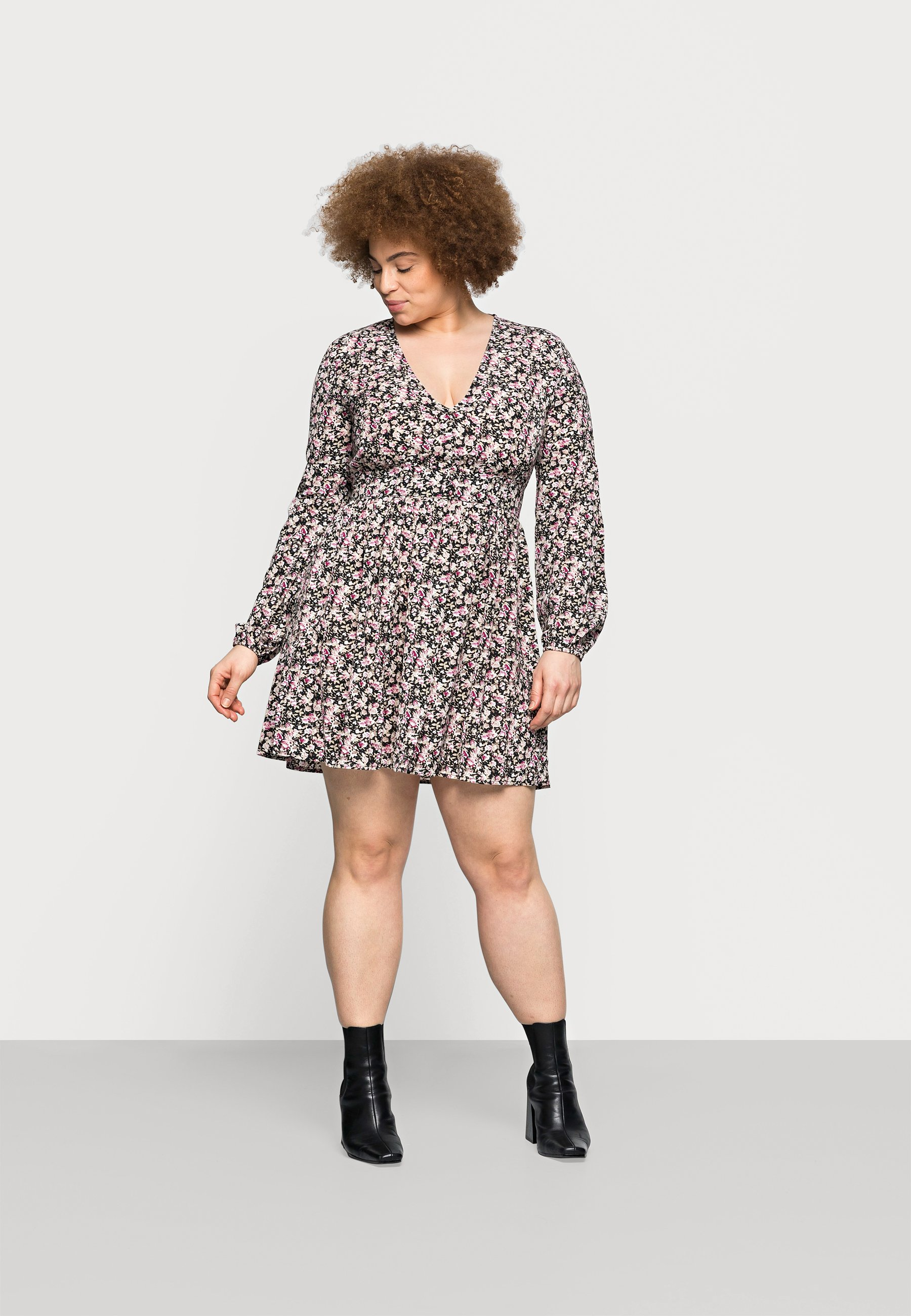 Women FLORAL V NECK SKATER DRESS - Day dress