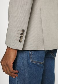 Selected Homme - SLHSLIM MAZELOGAN - Giacca - sand - 4