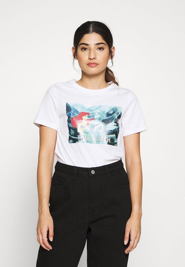 ONLDISNEY LIFE PETITE - T-shirts med print - bright white