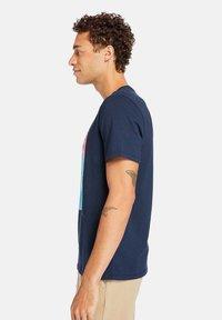 Timberland - Print T-shirt - dark sapphire - 4