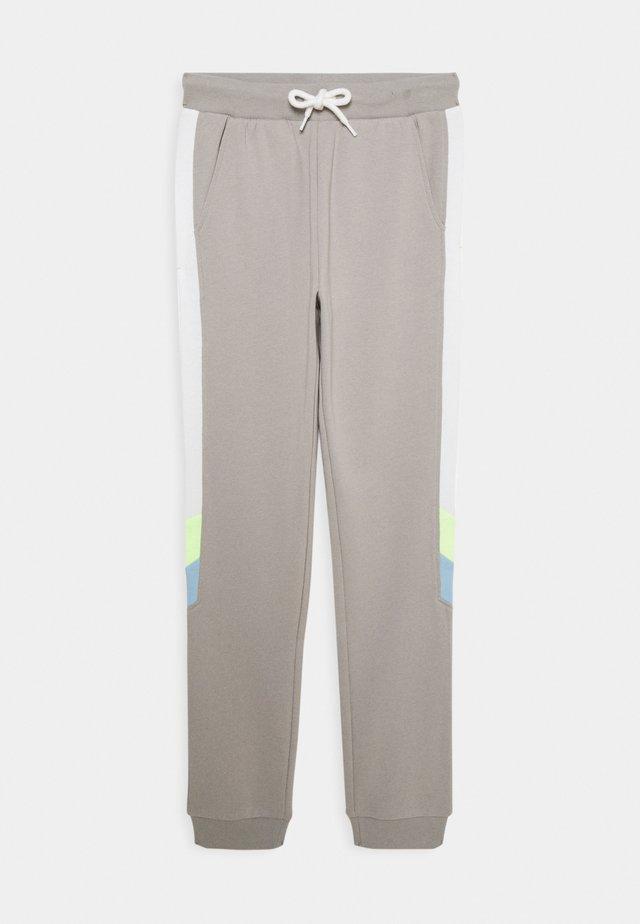 TEENS TROUSER NARROW PANEL - Pantalon de survêtement - light dusty grey