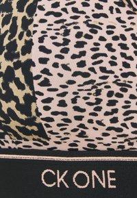 Calvin Klein Underwear - UNLINED BRALETTE - Bustier - strawberry champagne - 2