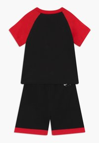 Nike Sportswear - AIR FRENCH BABY SET  - Trousers - black/university red - 1