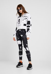 Nike Sportswear - AIR - Leggings - black/white - 1